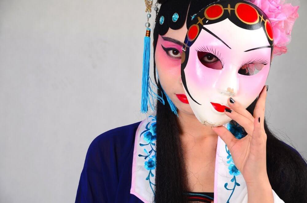 ムリしてない? 恋人から愛されるために仮面をかぶると不幸になるワケ